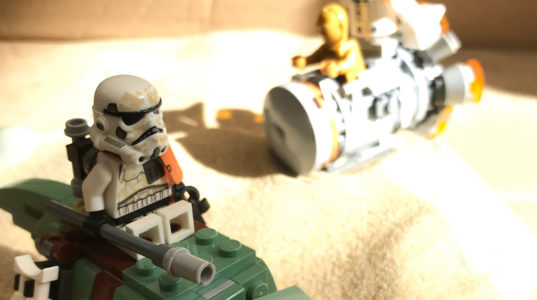 Lego Star Wars figures being used to demonstrate process vs procedure